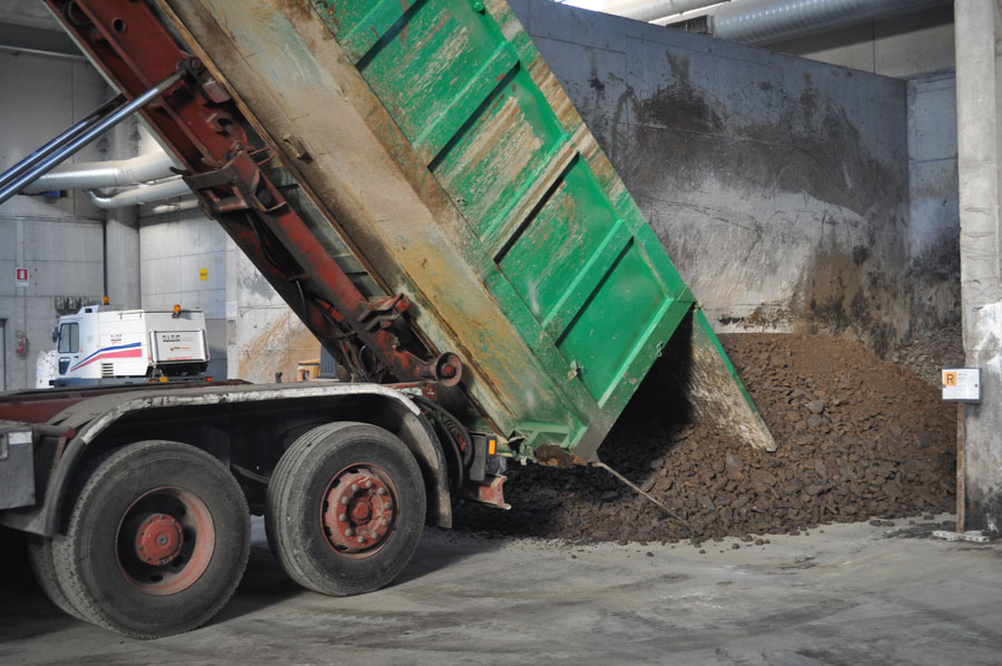 operazioni scarico rifiuti