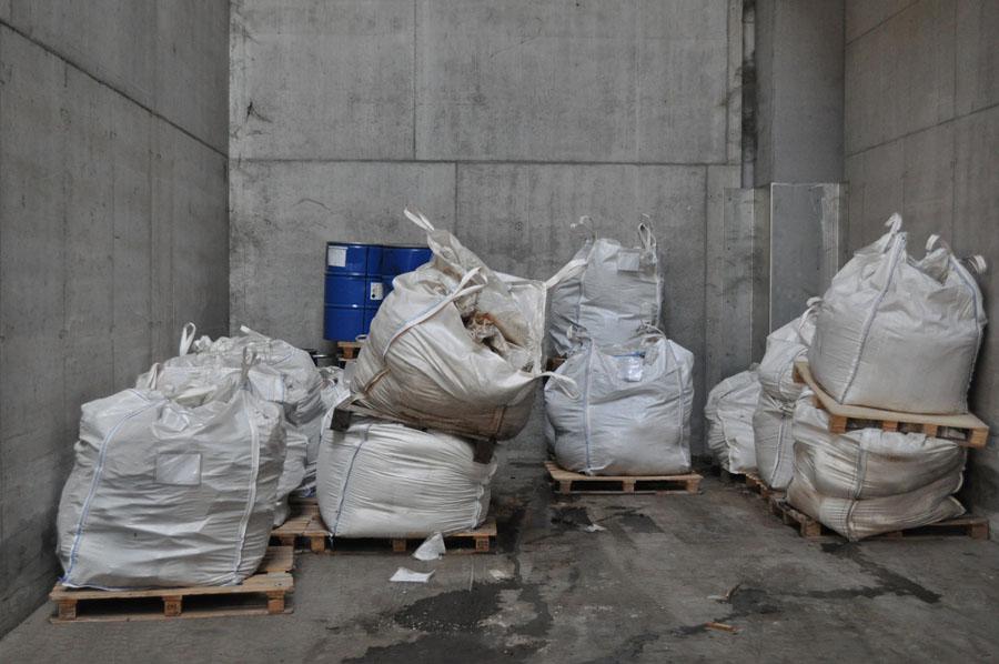sacchi rifiuti miscelati